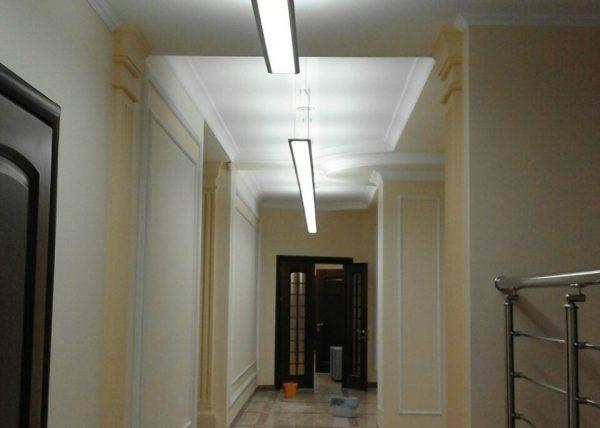 Iluminación Garviled - Oficinas Almaty - Icaro e Icaro Lineal